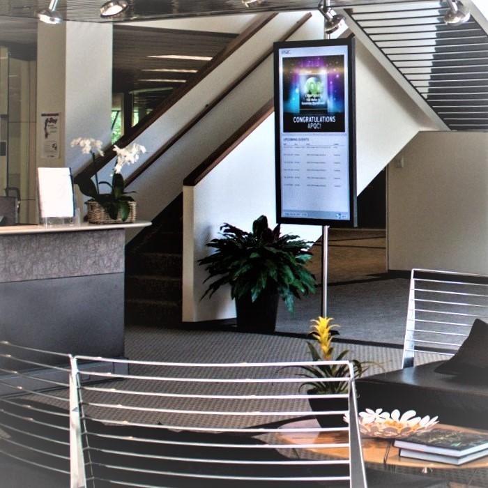 Support écran barre sol-plafond
